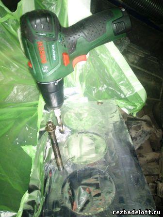Восстановление резьбы в блоке цилиндров под родные болты крепления гбц