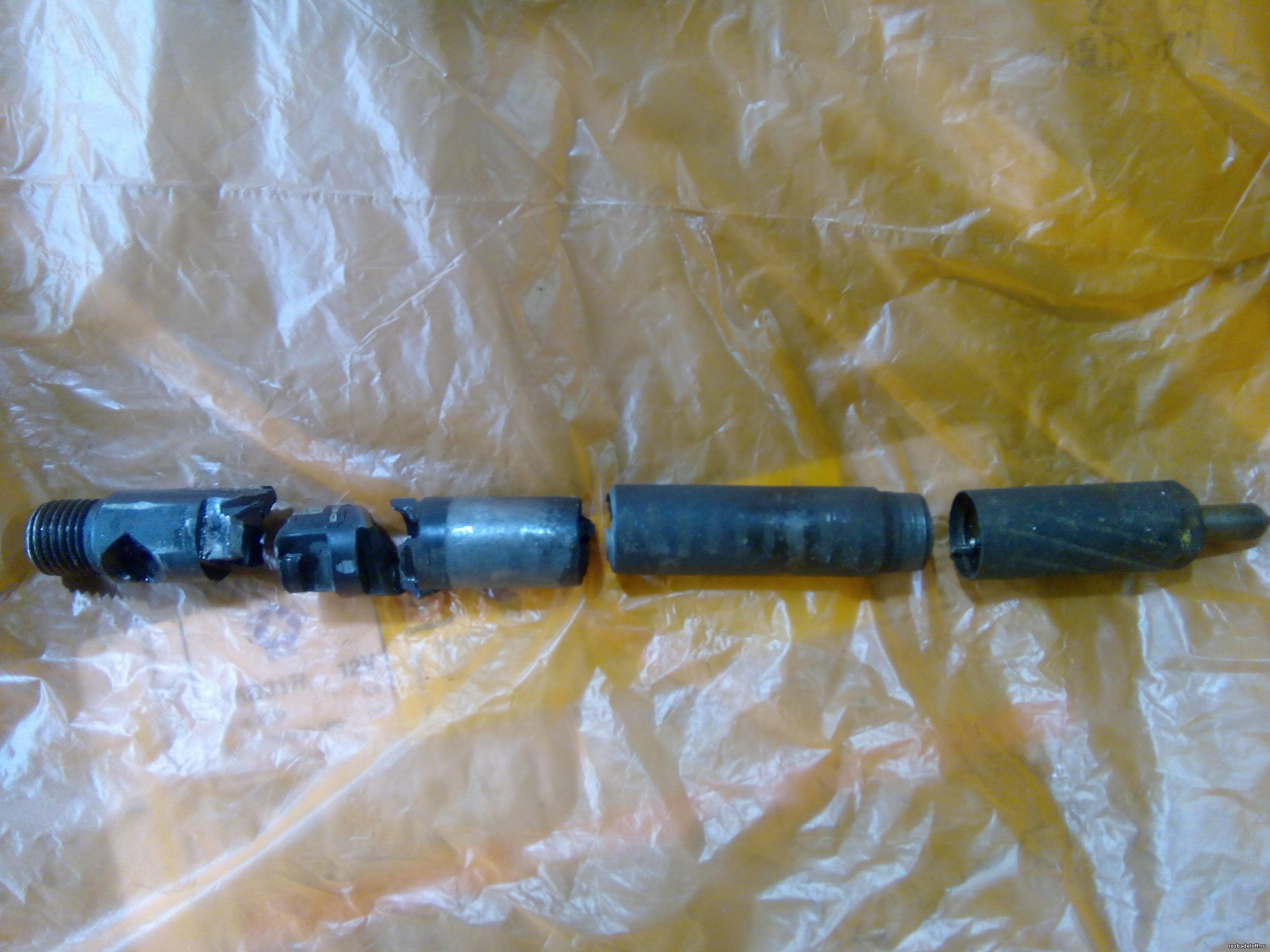 Обломанная топливная форсунка 4-го цилиндра кайрон по электрической части.