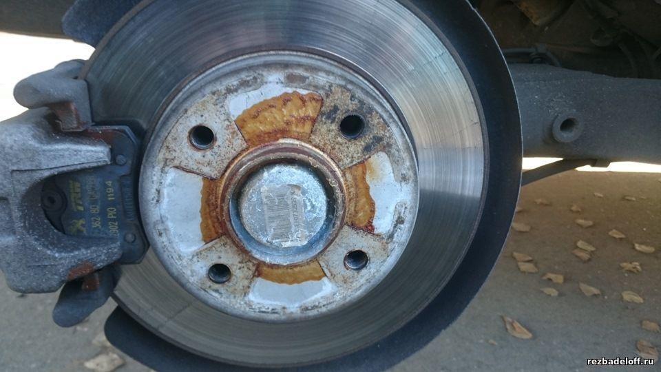 Сорвал резьбу в колесе. Восстановление резьбы в ступице колеса. Ремонт сорванной резьбы в колесе.