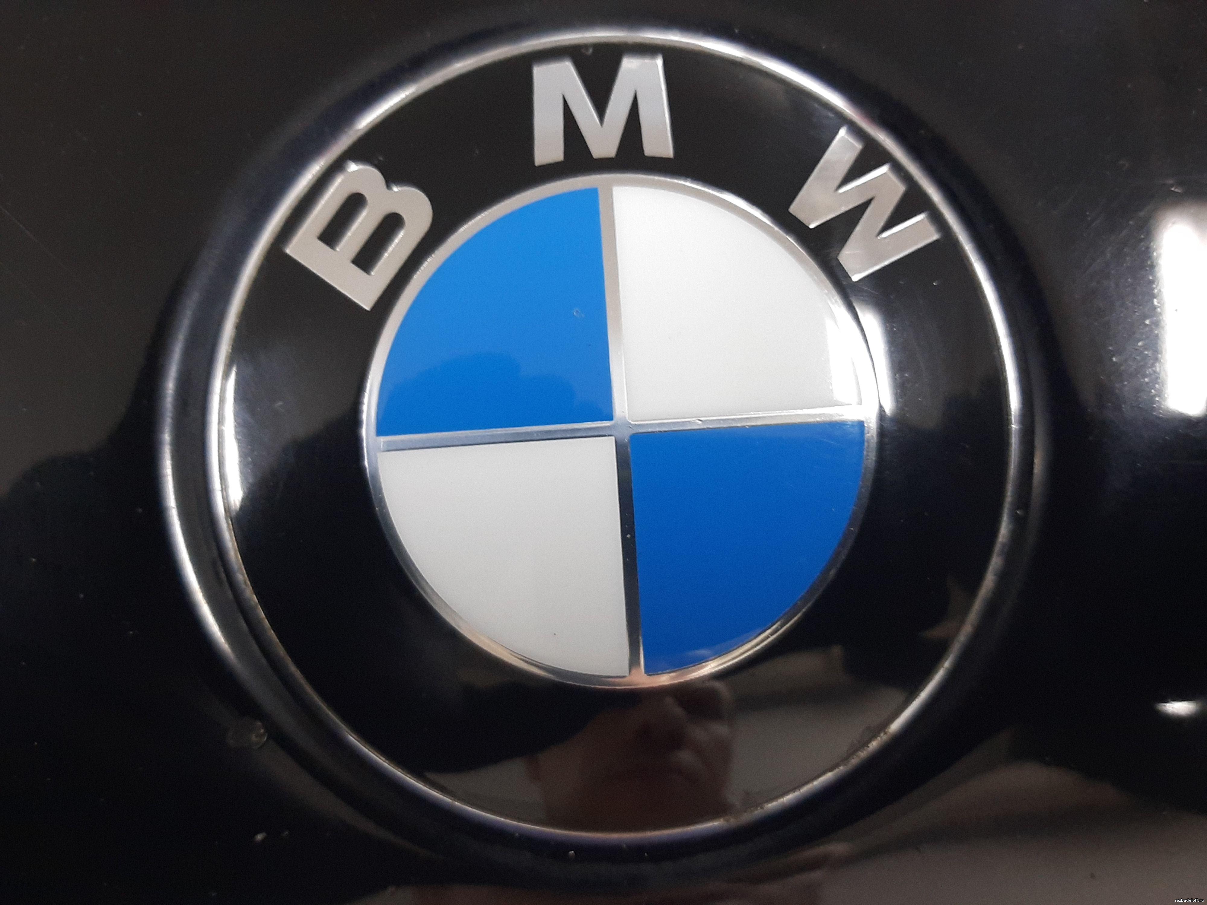 Автомобиль бмв х5 с проблемой по двигателю - вытекает антифриз и отсутствует крепление резьбы у блока